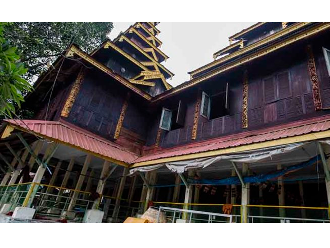 这座仰光寺已有近 170 年的历史,一直是缅甸两种宗教的重要场所