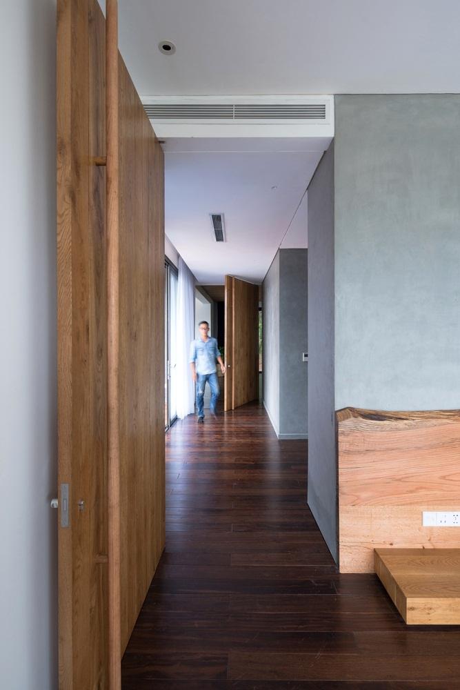 Teak-House-–-A-modern-wooden-house-design-interplay-between-culture-and-environment-18