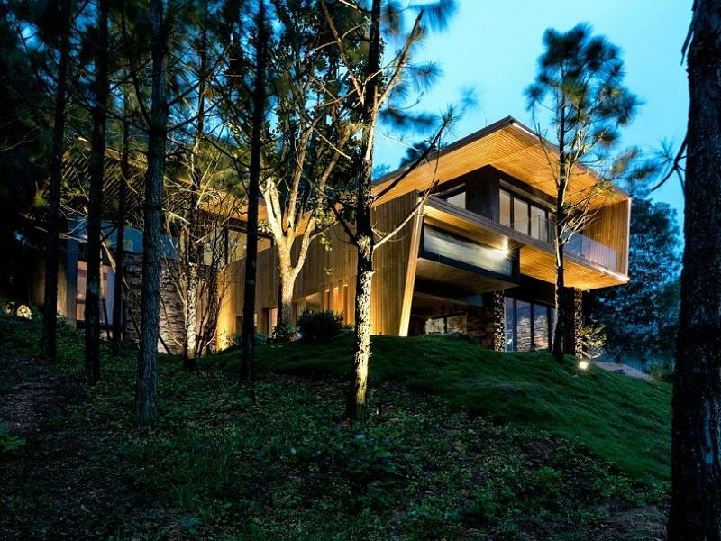 Teak-House-–-A-modern-wooden-house-design-interplay-between-culture-and-environment-24