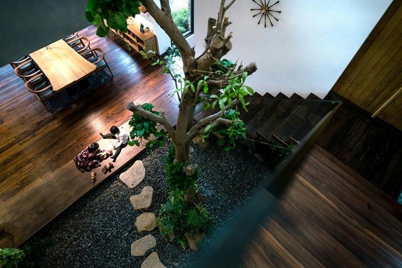 Teak-House-–-A-modern-wooden-house-design-interplay-between-culture-and-environment-9