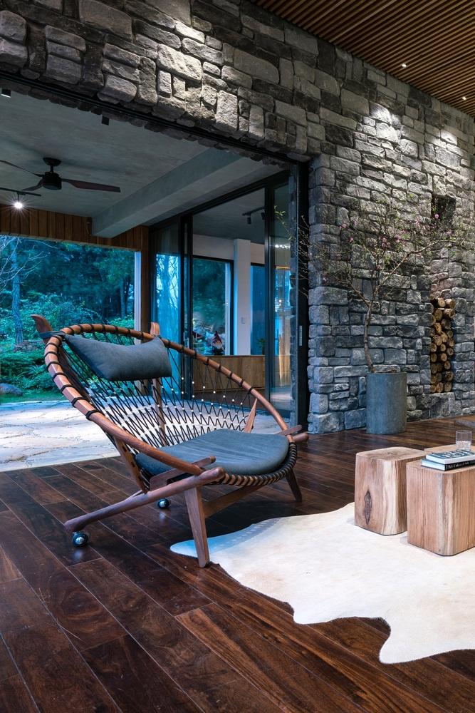 Teak-House-–-A-modern-wooden-house-design-interplay-between-culture-and-environment-7