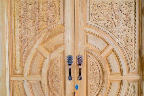 雕刻柚木木主门设计