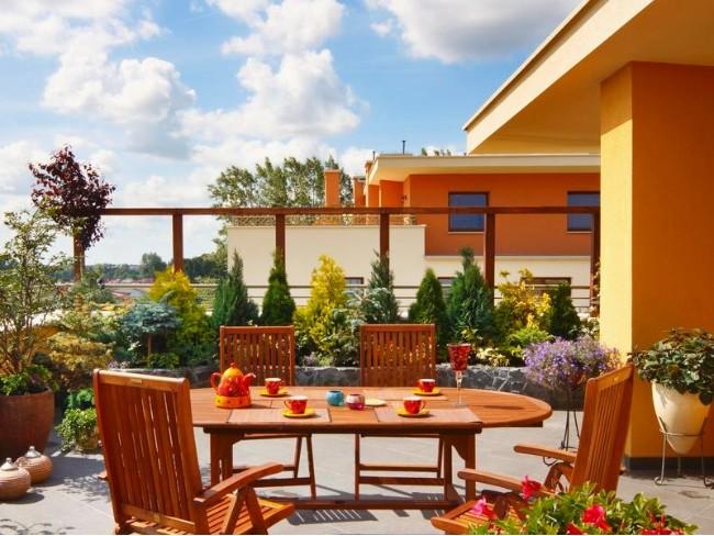 柚木:为您的家和花园增添亚洲风情