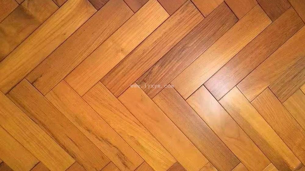 人字拼柚木实木地板01