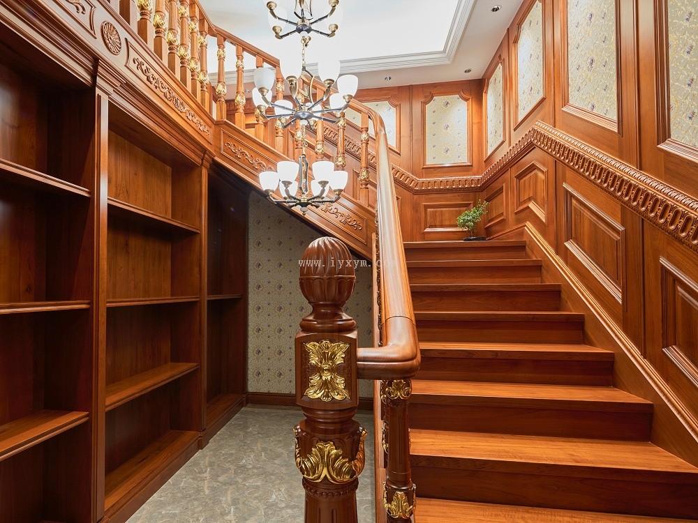 楼梯间柚木楼梯01
